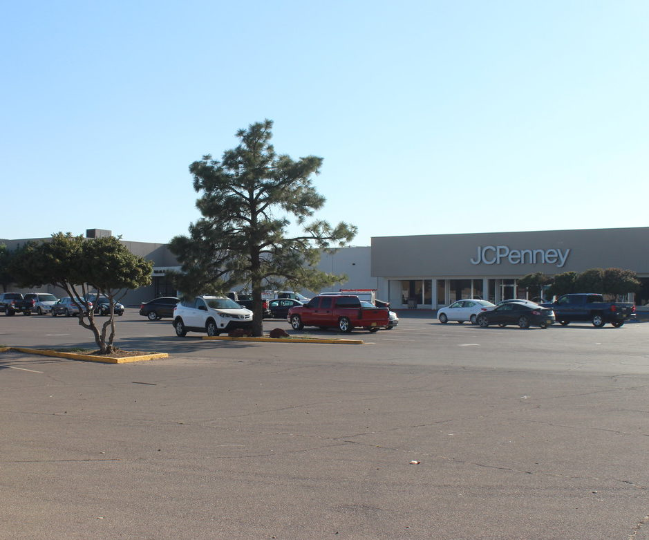Shopping Outlet and Mall, located on Turner Street in Hobbs, New Mexico