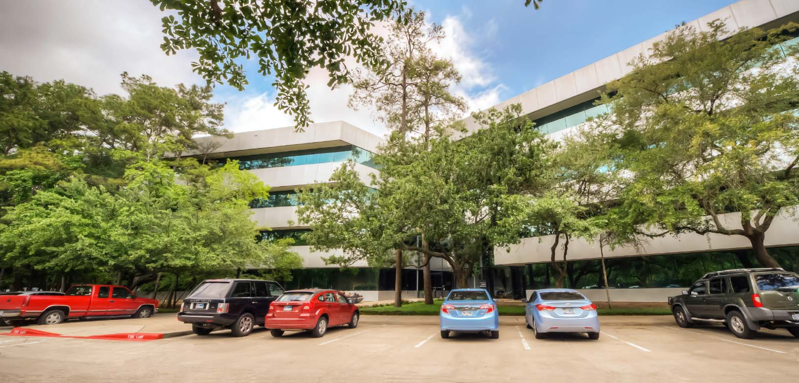Coveted Woodlands location close to Interstate 45